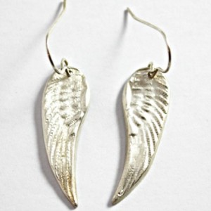 wolfclose up wings (Small)