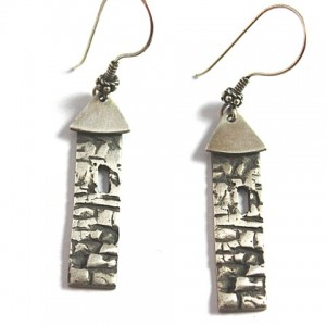 wolfcloseup earrings4 (Small)